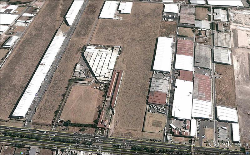 Foto Terreno en Venta en  Corredor Industrial Toluca Lerma,  Lerma  Terrreno Comercial en Excelente Ubicacion y Avenida Principal en Zona Aeropuerto Toluca