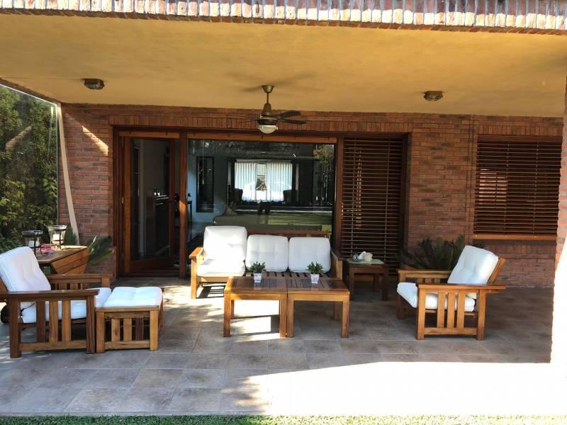 Foto Casa en Venta en  San Isidro Chico,  Countries/B.Cerrado (San Isidro)  Aguaribay al 1100