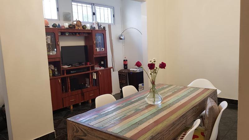 Foto PH en Venta en  Liniers ,  Capital Federal  Cosquin al 1200 PH 3 ambs con cochera y patio
