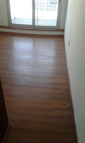 Foto Departamento en Venta en  Pocitos ,  Montevideo  Apartamento Avenida, 2 dormitorios c/garaje con Renta.-