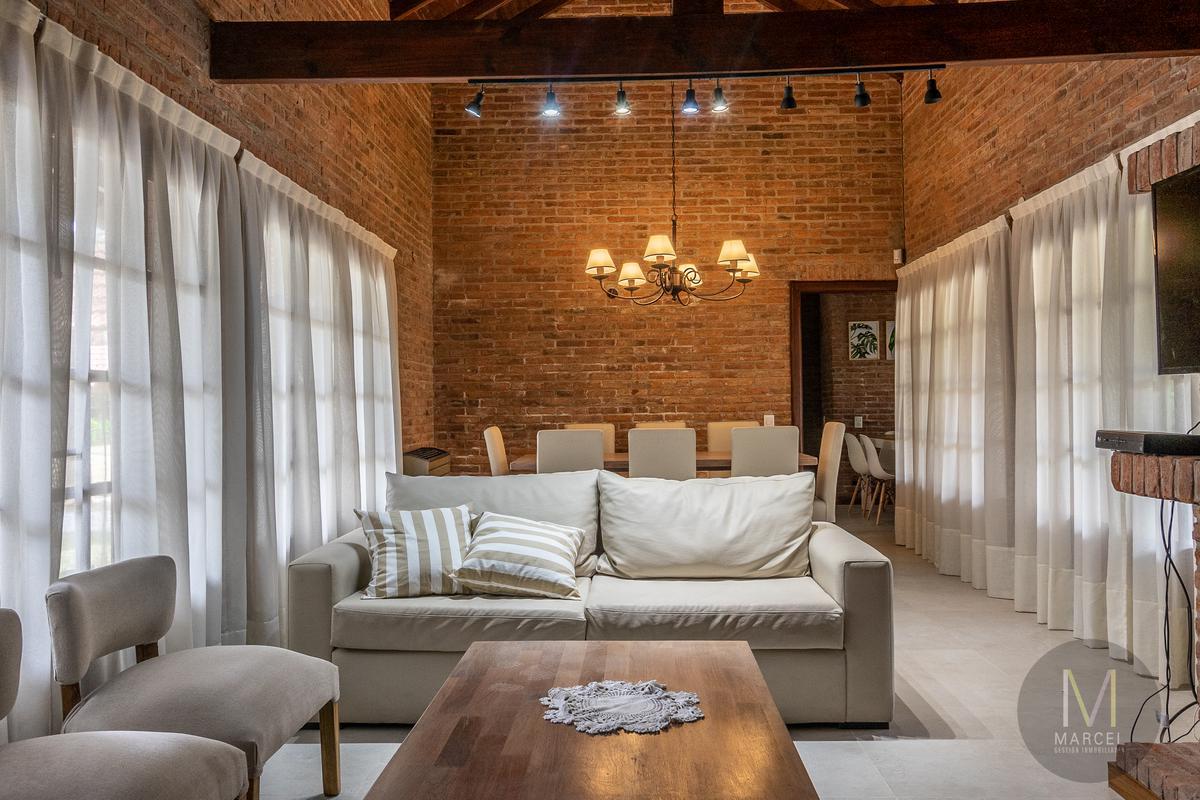 Foto Casa en Alquiler temporario en  Golf Nuevo,  Pinamar  Submarino Santa Fe Nº 1398