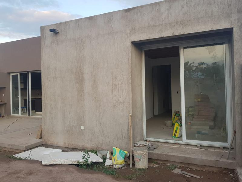 Foto Casa en Venta en  Mayor Drummond,  Lujan De Cuyo  B° Rincon de Drummond 2