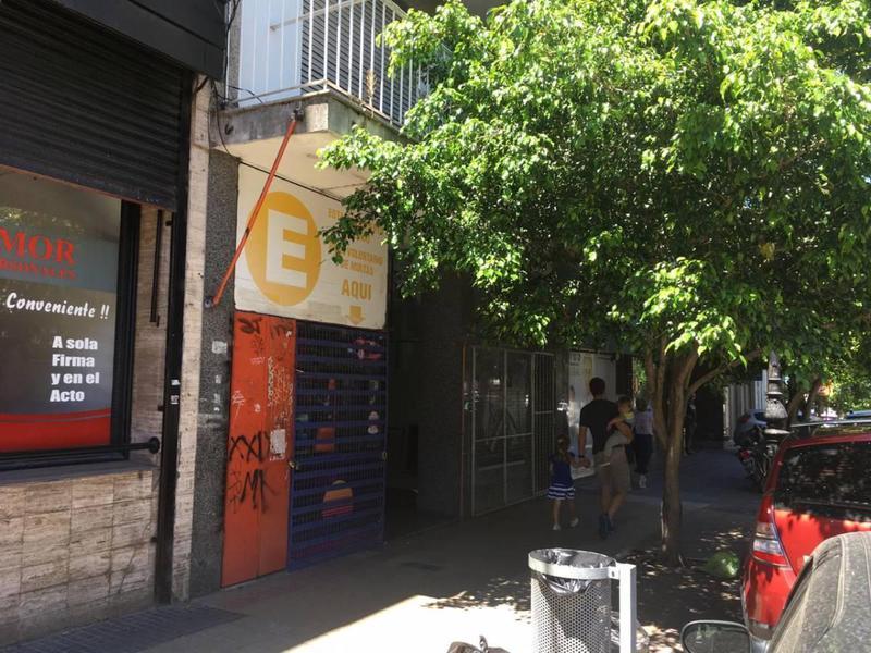 Foto Local en Venta en  La Plata,  La Plata  46 e/8y9