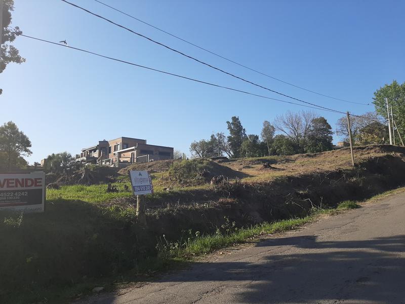 Foto Terreno en Venta en  Colonia del Sacramento ,  Colonia  Terreno 500m-Calle Otaegui a 200m de la Ramba