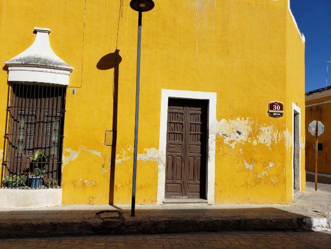 Foto Casa en Renta en  Ciudad Izamal,  Izamal  Calle 30 por 27 y 29, colonia Centro, Izamal.