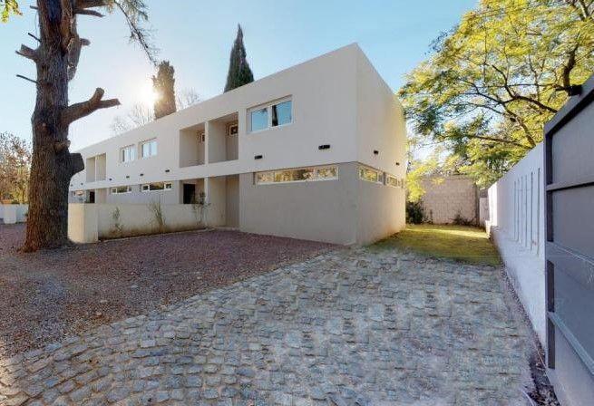 Foto Casa en Venta en  Manuel B Gonnet,  La Plata  490 Entre Belgrano y 21