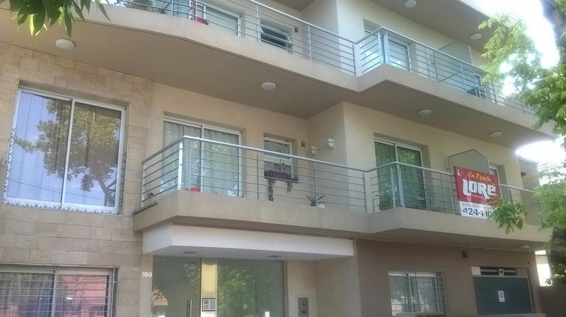 Foto Departamento en Alquiler en  Lomas De Zamora,  Lomas De Zamora  BELGRANO al 100 PISO 2 DTO .C