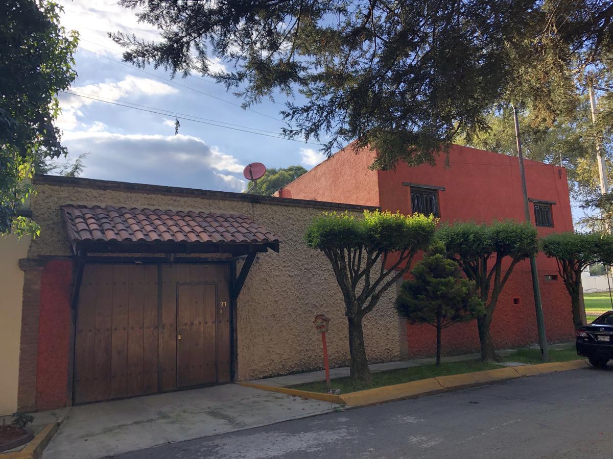 Foto Casa en condominio en Renta en  La Virgen,  Metepec  Santa Clara