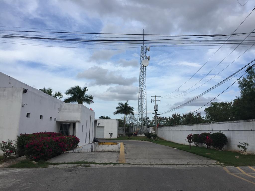 Foto Bodega Industrial en Renta en  Fraccionamiento Nora Quintana,  Mérida  Bodega de 50m² con cortina de acero,  con caseta de acceso,  cámaras de vigilancia, acceso por el Periférico Poniente