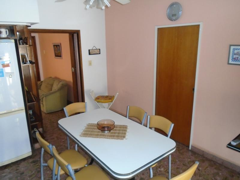 Foto Casa en Venta en  Lomas De Zamora,  Lomas De Zamora  Carlos Croce 874
