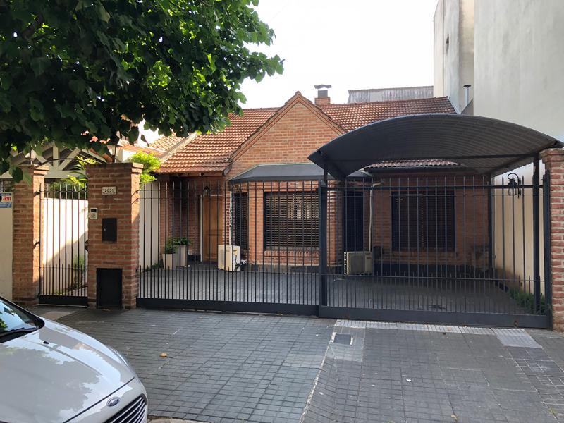 Foto Casa en Venta en  Martinez,  San Isidro  Italia al 2000