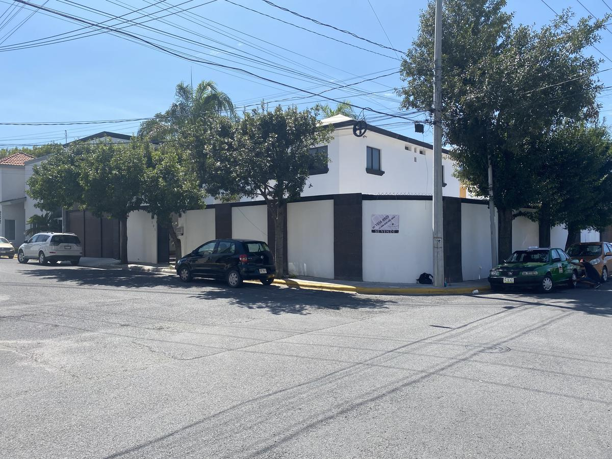Foto Casa en Venta en  Arroyo Seco,  Monterrey  CASA EN VENTA COL. ARROYO SECO  CERCA DEL TECNOLOGICO DE MONTERREY N.L CON ALBERCA