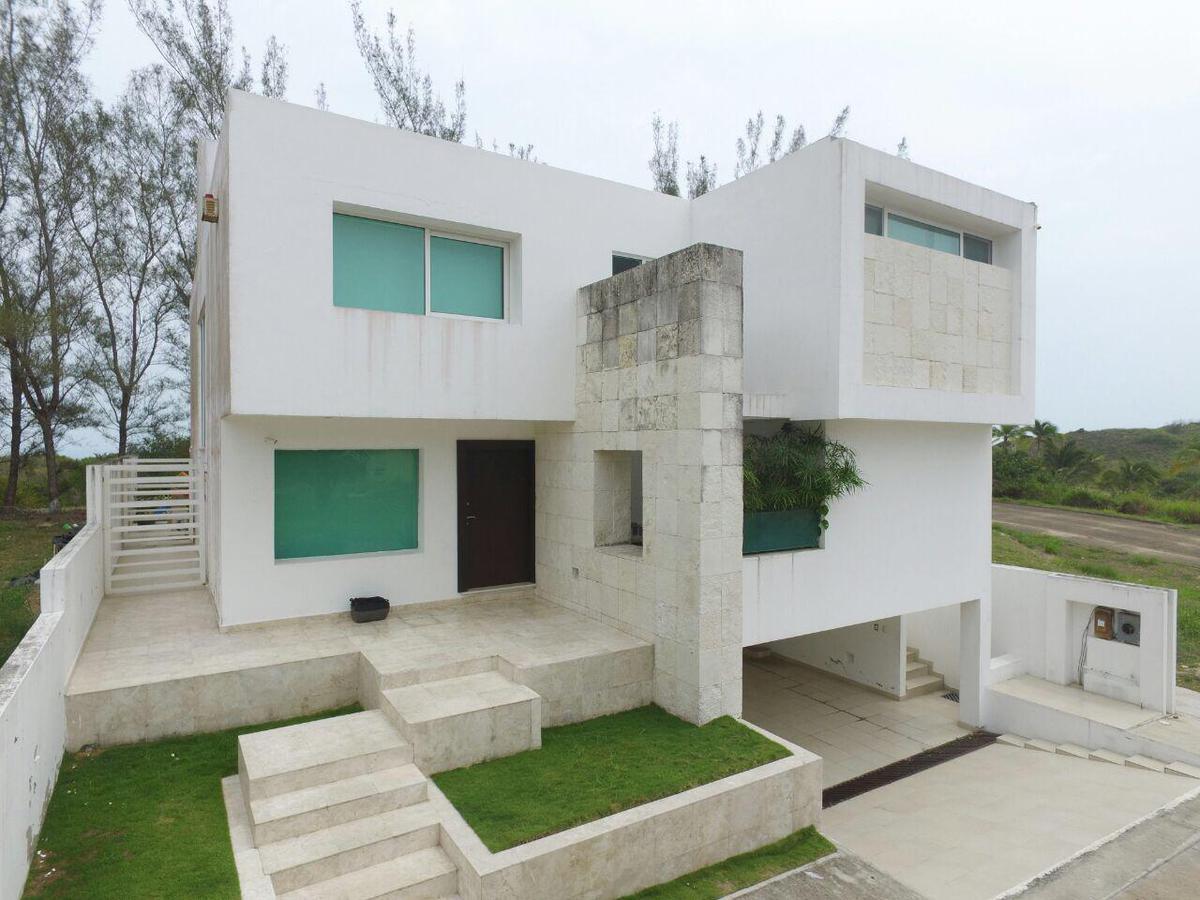 Foto Casa en Venta |  en  Fraccionamiento Velamar,  Altamira  Residencial Velamar