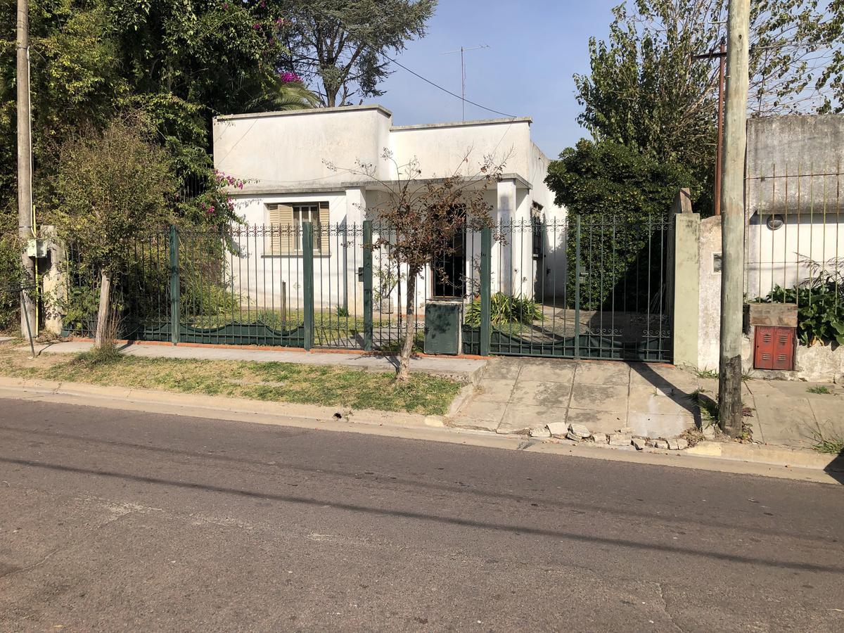 Foto Casa en Venta en  Manuel B Gonnet,  La Plata  10 e/510y511