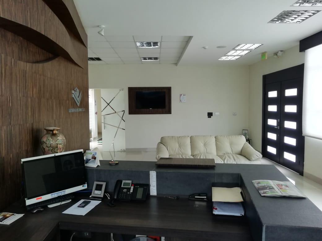 Foto Edificio Comercial en Venta | Alquiler en  Norte de Guayaquil,  Guayaquil  Garzota