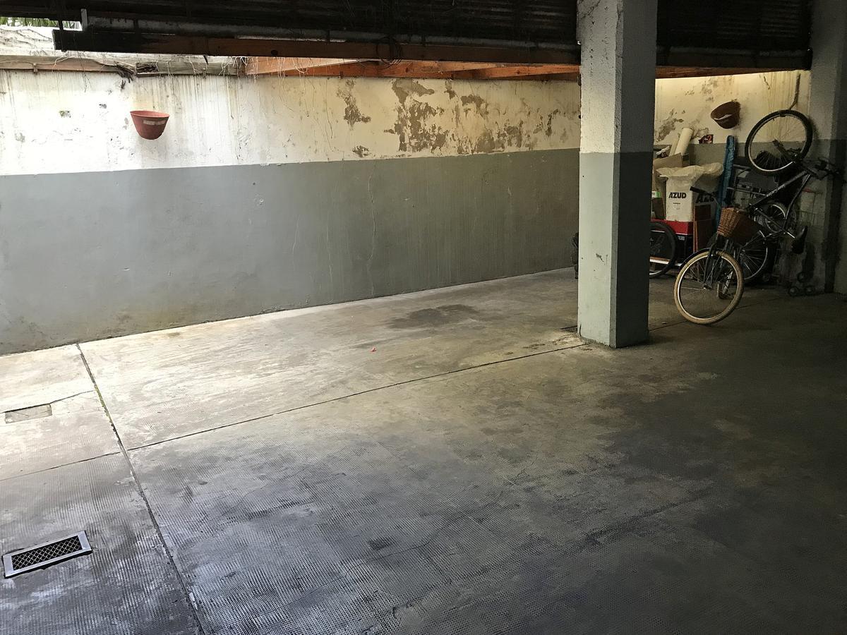 Foto Cochera en Venta en  Olivos-Maipu/Uzal,  Olivos  Alberdi al 1500