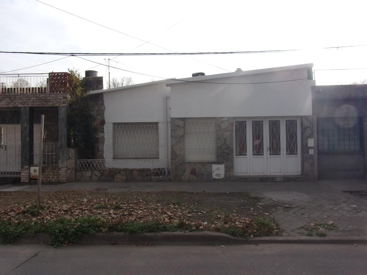 Foto Casa en Alquiler en  Azcuenaga,  Rosario  FELIPE MORE al 1500