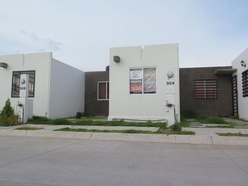 Foto Casa en Renta en  Héroes de León,  León  Casa en RENTA en Hacienda Viñedos (zona Puerta del Milenio)