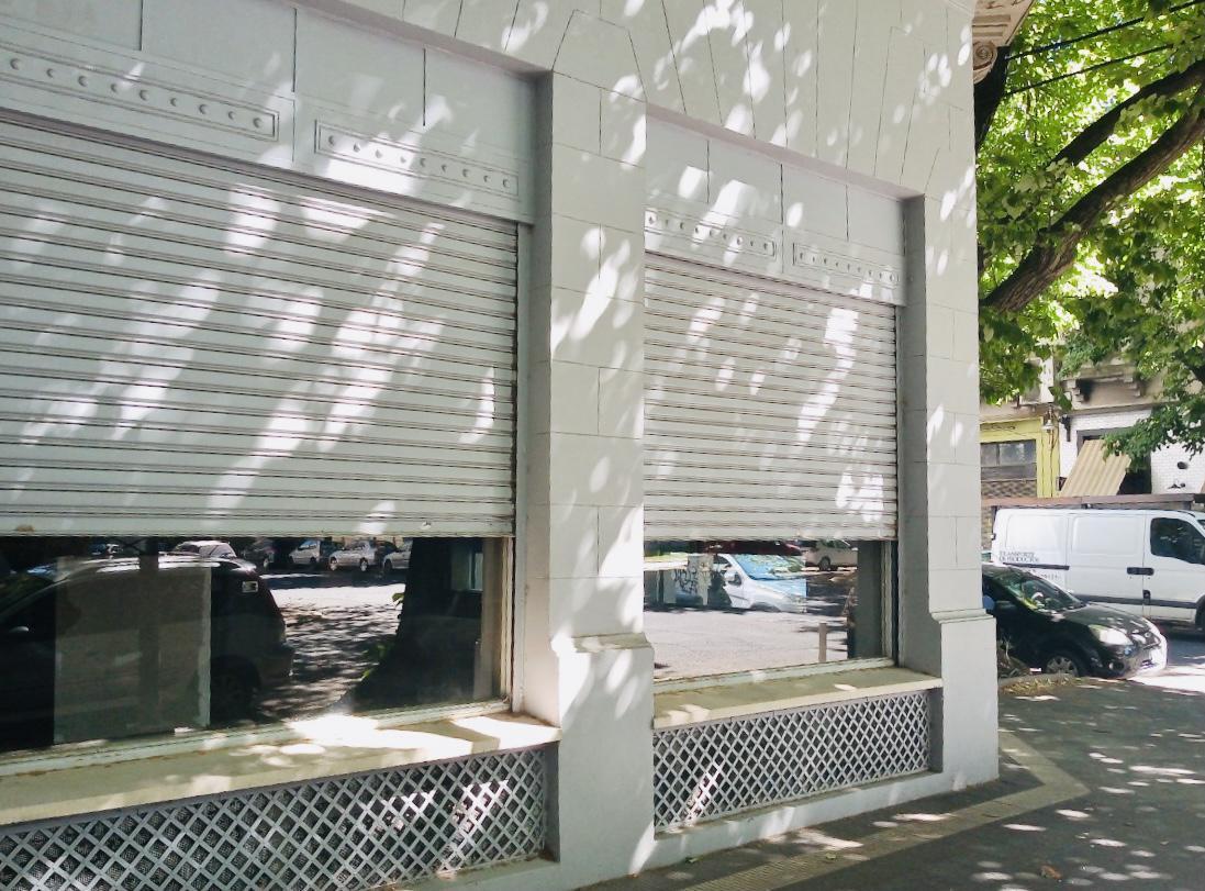 Foto Local en Venta en  La Plata ,  G.B.A. Zona Sur  3 Esq. 51. EXCELENTE ESQUINA COMERCIAL
