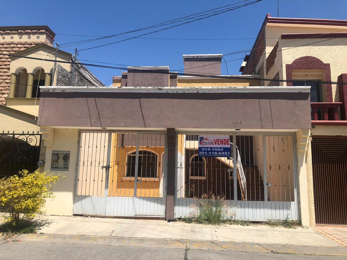 Foto Casa en Venta en  Fraccionamiento La Floresta,  Zamora  Paseo de Los Cedros al 100