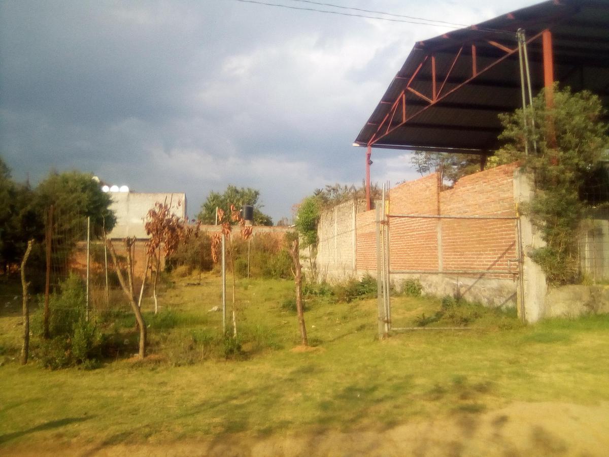 Foto Terreno en Venta en  Pátzcuaro,  Pátzcuaro  L-11 M-6