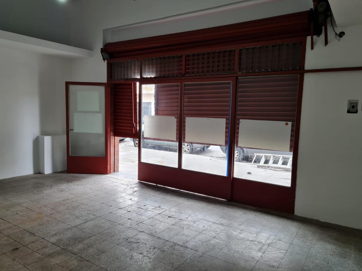 Foto Local en Alquiler en  Saavedra ,  Capital Federal  nuñez al 6100