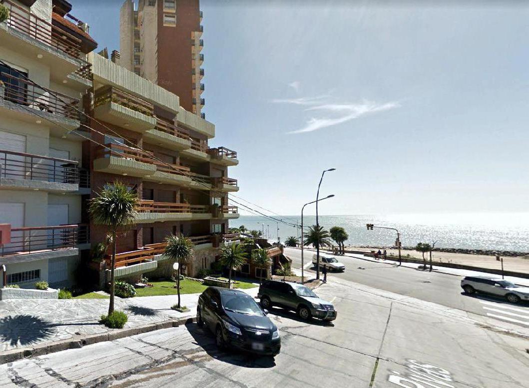 Foto Departamento en Alquiler temporario en  Varese,  Mar Del Plata  BV MARITIMO Y RIVAS • FTE AL MAR