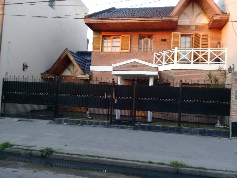 Foto Casa en Venta en  Lanús Oeste,  Lanús  San Vladimiro al 5317