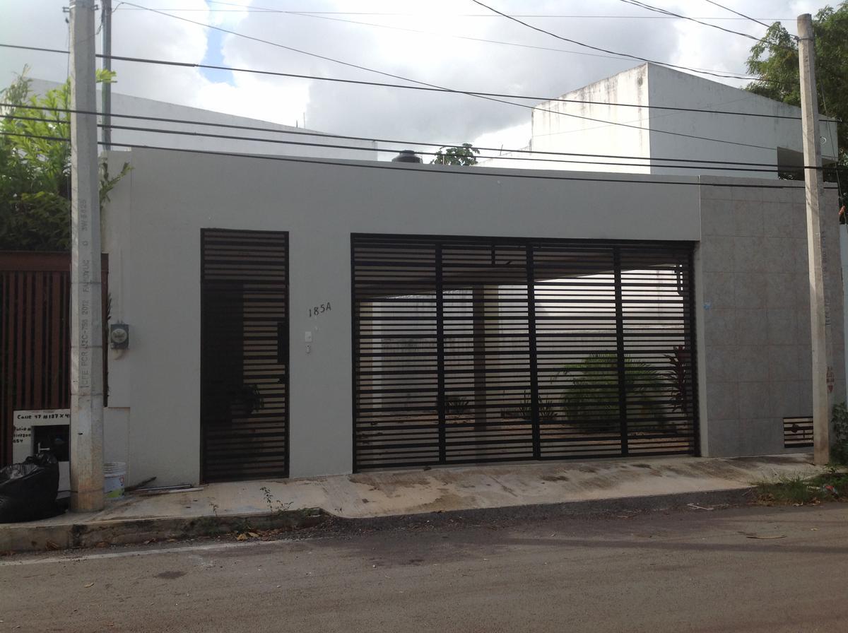 Foto Casa en Renta en  Mérida ,  Yucatán  Rento bella y amplia casa estilo minimalista  4 habitaciones