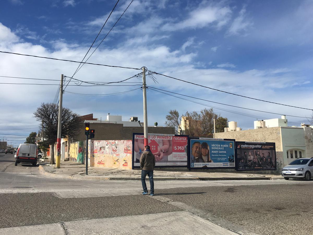 Foto Terreno en Venta en  Loma,  Comodoro Rivadavia  San Martin esquina Alvear