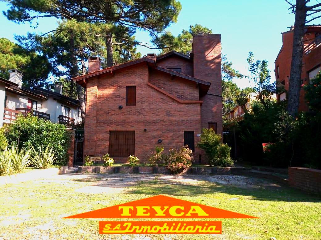 Foto Departamento en Venta en  Duplex,  Pinamar  Merluza 1072 E/ Centuaro y V. Fertil