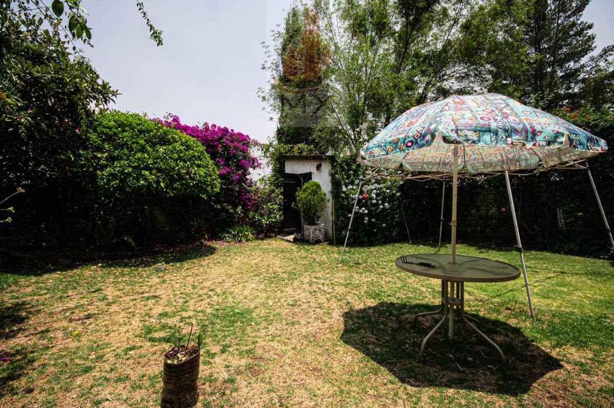 Foto Casa en Venta en  Lomas de Tecamachalco,  Naucalpan de Juárez  CASA MUY BUENA  PARA REMODELAR TECAMACHALCO