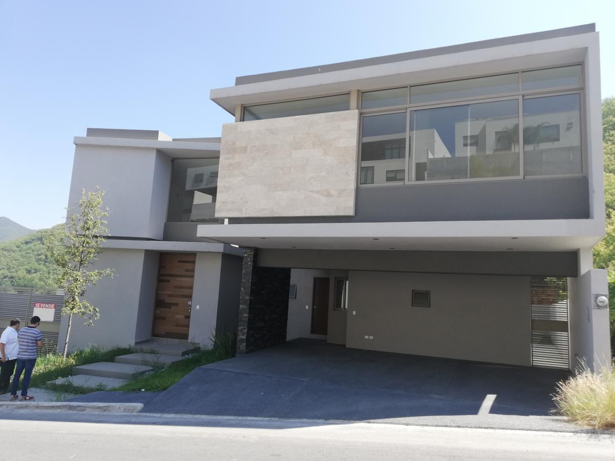 Foto Casa en Venta |  en  Caracol,  Monterrey  Carretera Nacional - Carolco