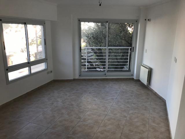Foto Departamento en Venta en  Lomas de Zamora Oeste,  Lomas De Zamora  Garibaldi 11 piso 1°