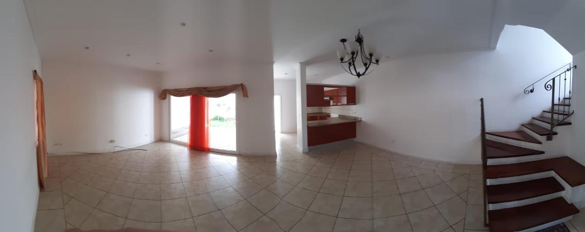 Foto Casa en condominio en Renta en  Lomas del Guijarro,  Tegucigalpa  Casa con Jardin en Villas Liquidambar en Renta, Tegucigalpa