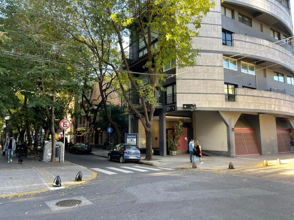 Foto Departamento en Alquiler en  Las Cañitas,  Palermo  arce al 400