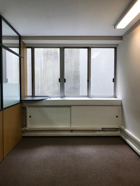 Foto Oficina en Alquiler en  Ciudad Vieja ,  Montevideo  Excelente oficina Rincón e Ituzaingó - A pasos de Pza. Matriz