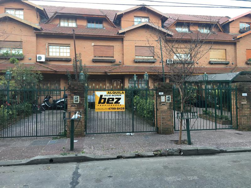 Foto Casa en Alquiler en  La Lucila,  Olivos  MARIANO MORENO al 1500