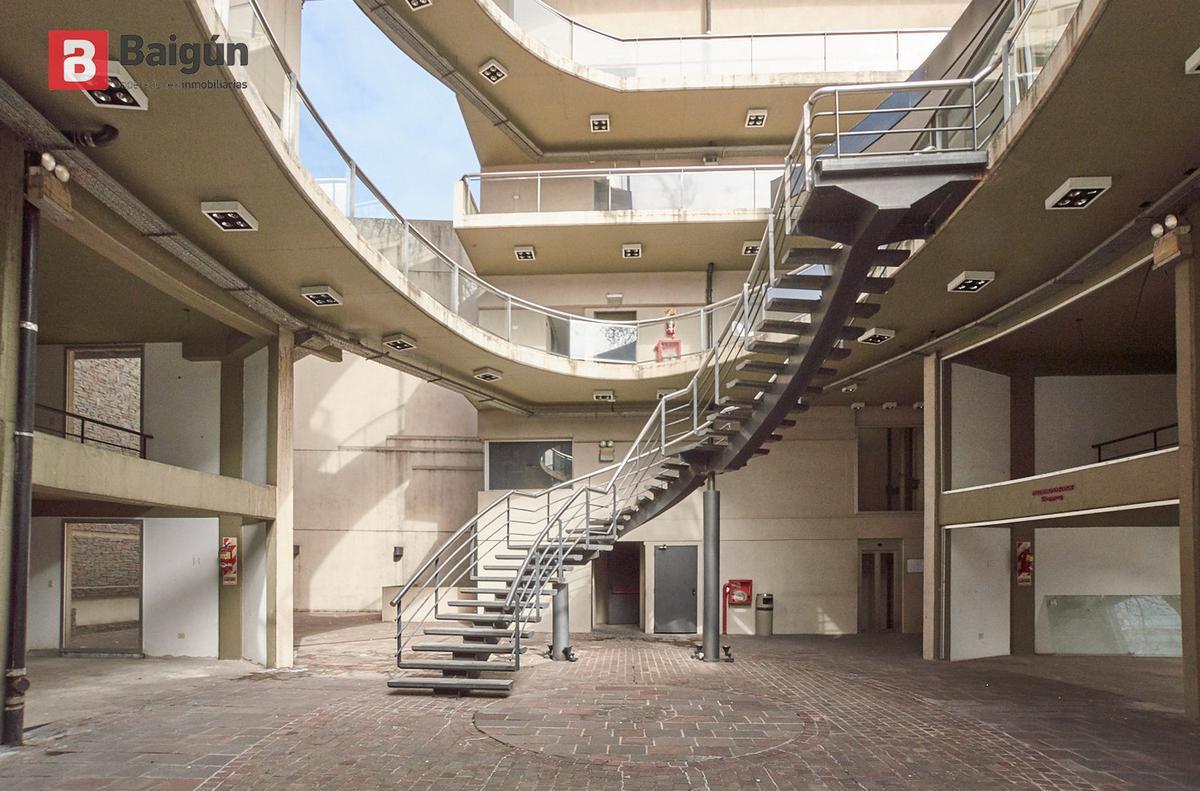 Foto Edificio Comercial en Venta en  Villa Crespo ,  Capital Federal  Av. Cordoba y Godoy Cruz