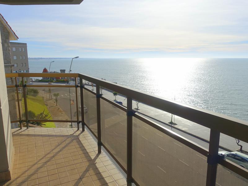 Foto Departamento en Alquiler en  Varese,  Mar Del Plata  Bvd. Marítimo Peralta Ramos  esquina Moreno