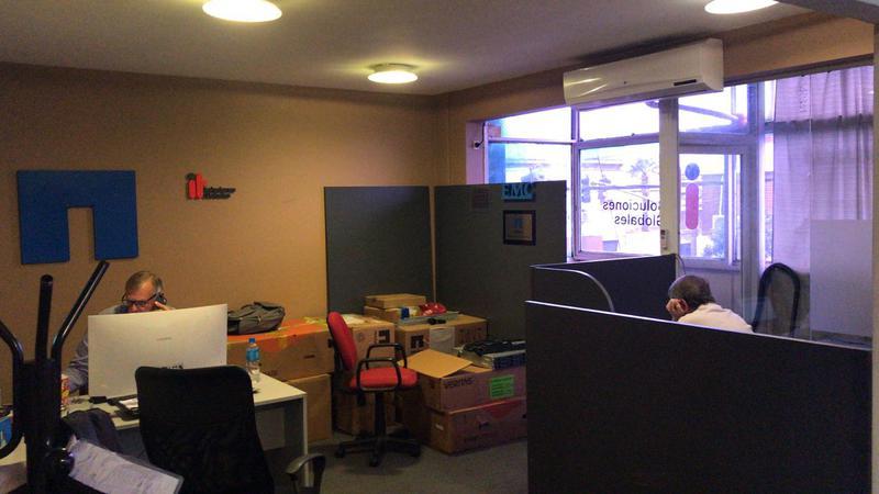 Foto Oficina en Alquiler en  Florida Belgrano-Oeste,  Florida  san martin al 3400