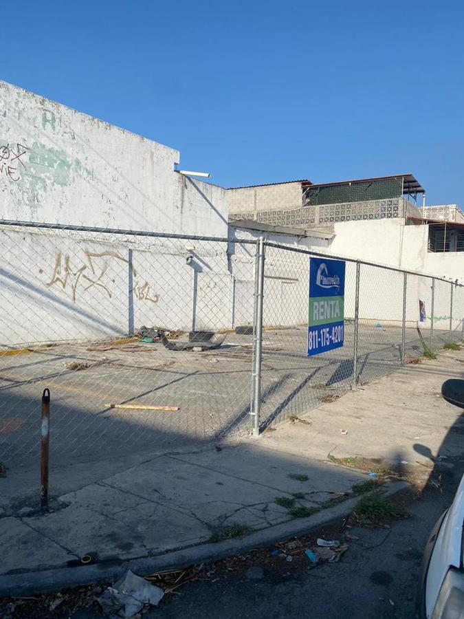 Foto Local en Venta   Renta en  Nuevo Repueblo,  Monterrey  LOCAL COMERCIAL CON 9 CAJONES DE ESTACIONAMIENTO