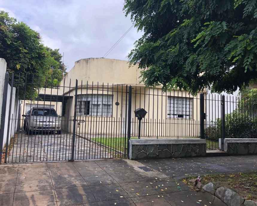Foto Casa en Venta en  Quilmes Oeste,  Quilmes  Lisandro de la torre al 1700
