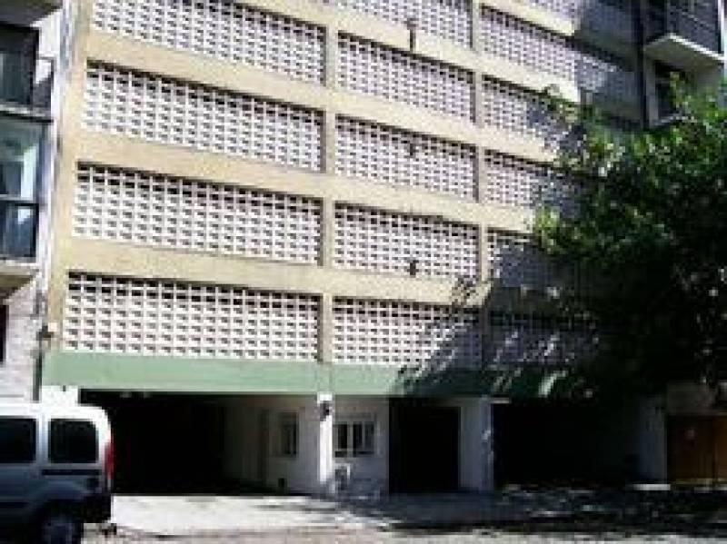 Foto Cochera en Venta en  Recoleta ,  Capital Federal  Guido al 2300