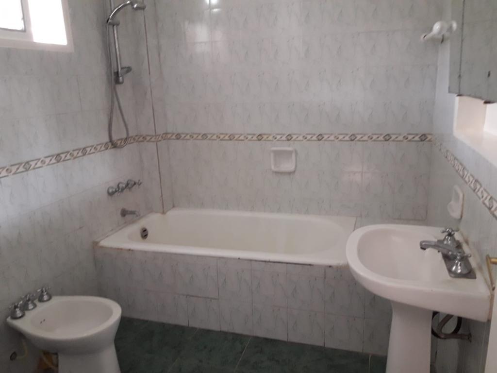 Foto Casa en Venta en  Rosario ,  Santa Fe  MINA CLAVERO al 1100