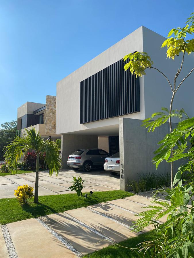 Foto Casa en Venta en  Mérida ,  Yucatán  Espera el vídeo! Residencia en venta en el Country Club- Privada Oasis- se requiere cita de acceso