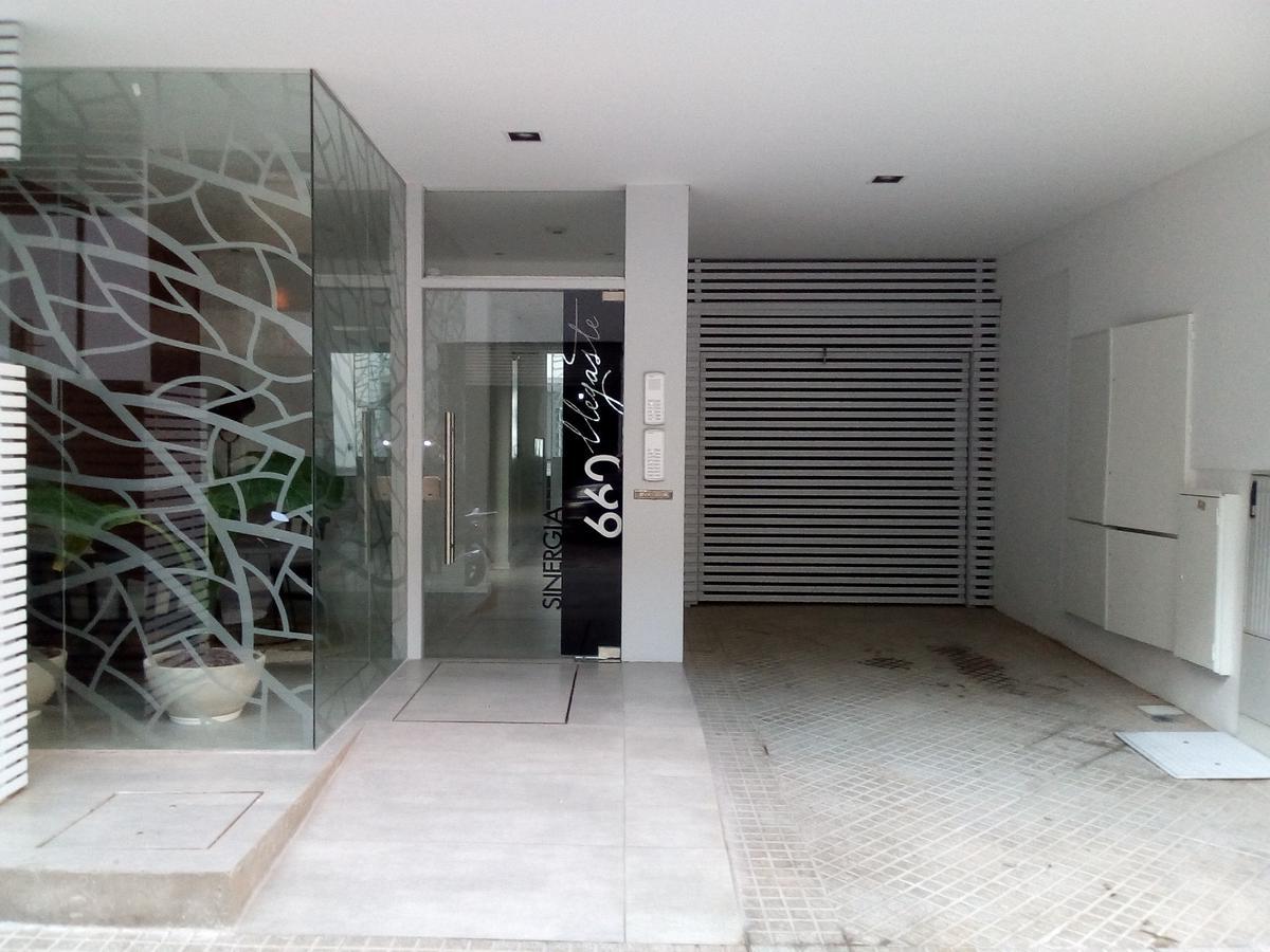 Foto Departamento en Alquiler en  Macrocentro,  Rosario   Rioja al 600