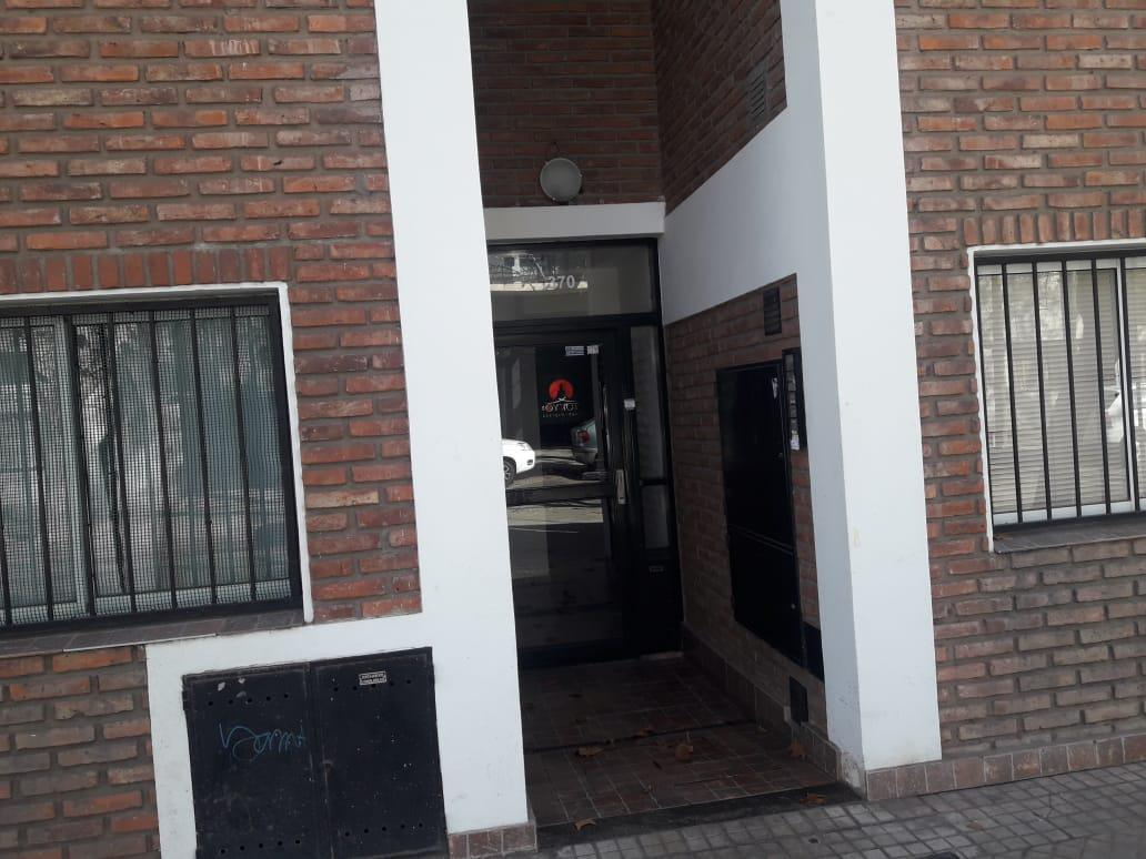 Foto Departamento en Alquiler en  Pichincha,  Rosario  VERA MUJICA al 300