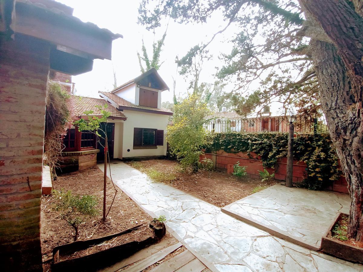 Foto Casa en Venta en  San Bernardo Del Tuyu ,  Costa Atlantica  Gûtierrez 857