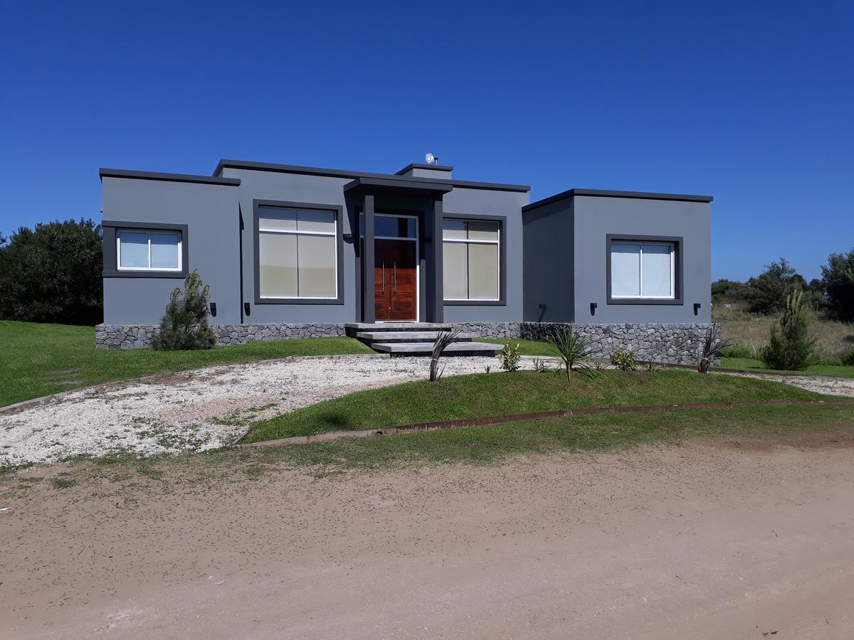 Foto Casa en Alquiler temporario en  Costa Esmeralda,  Punta Medanos  Ecuestre al 300